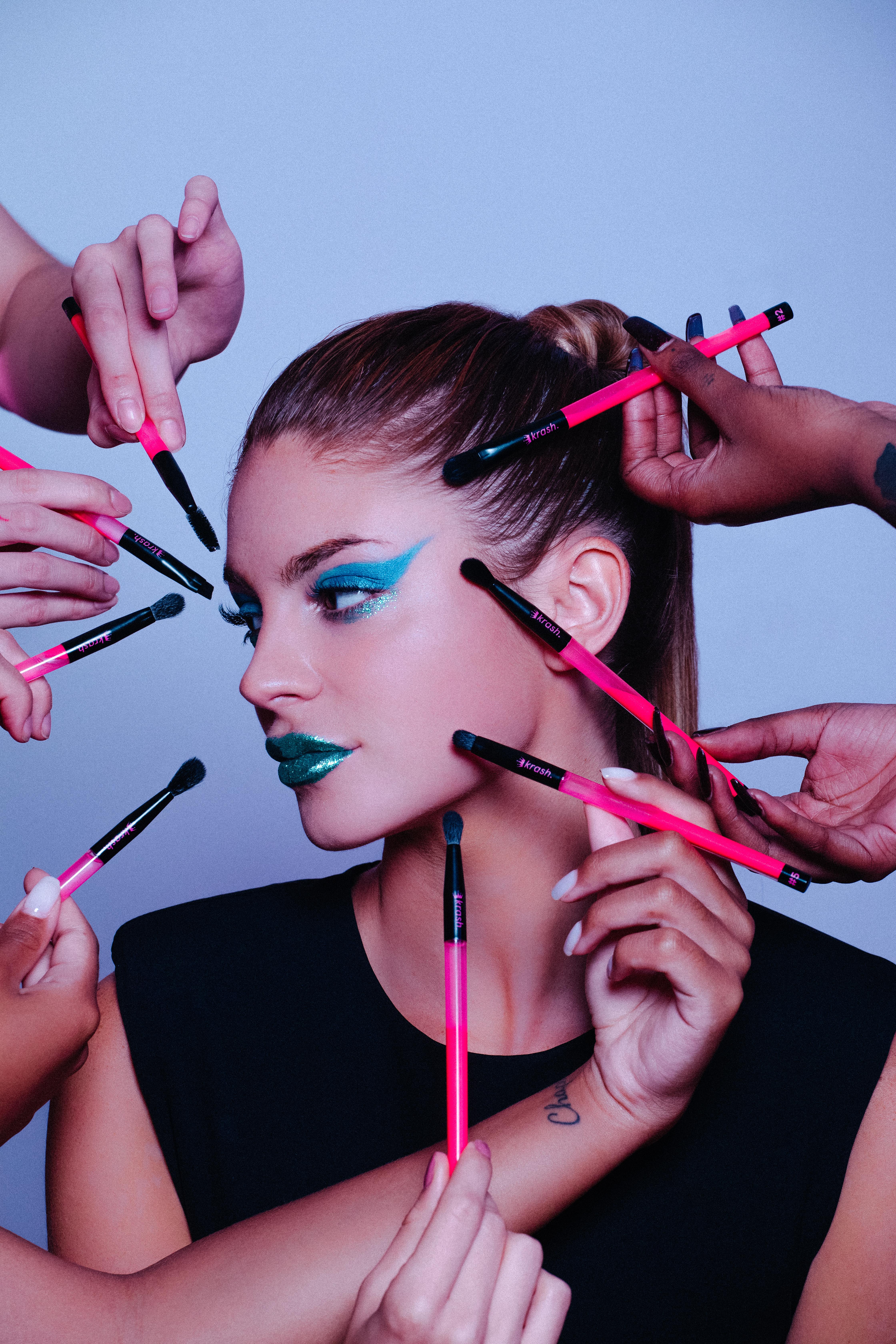 brochas full - Como conseguir una mirada impactante sin necesidad de recurrir al maquillaje