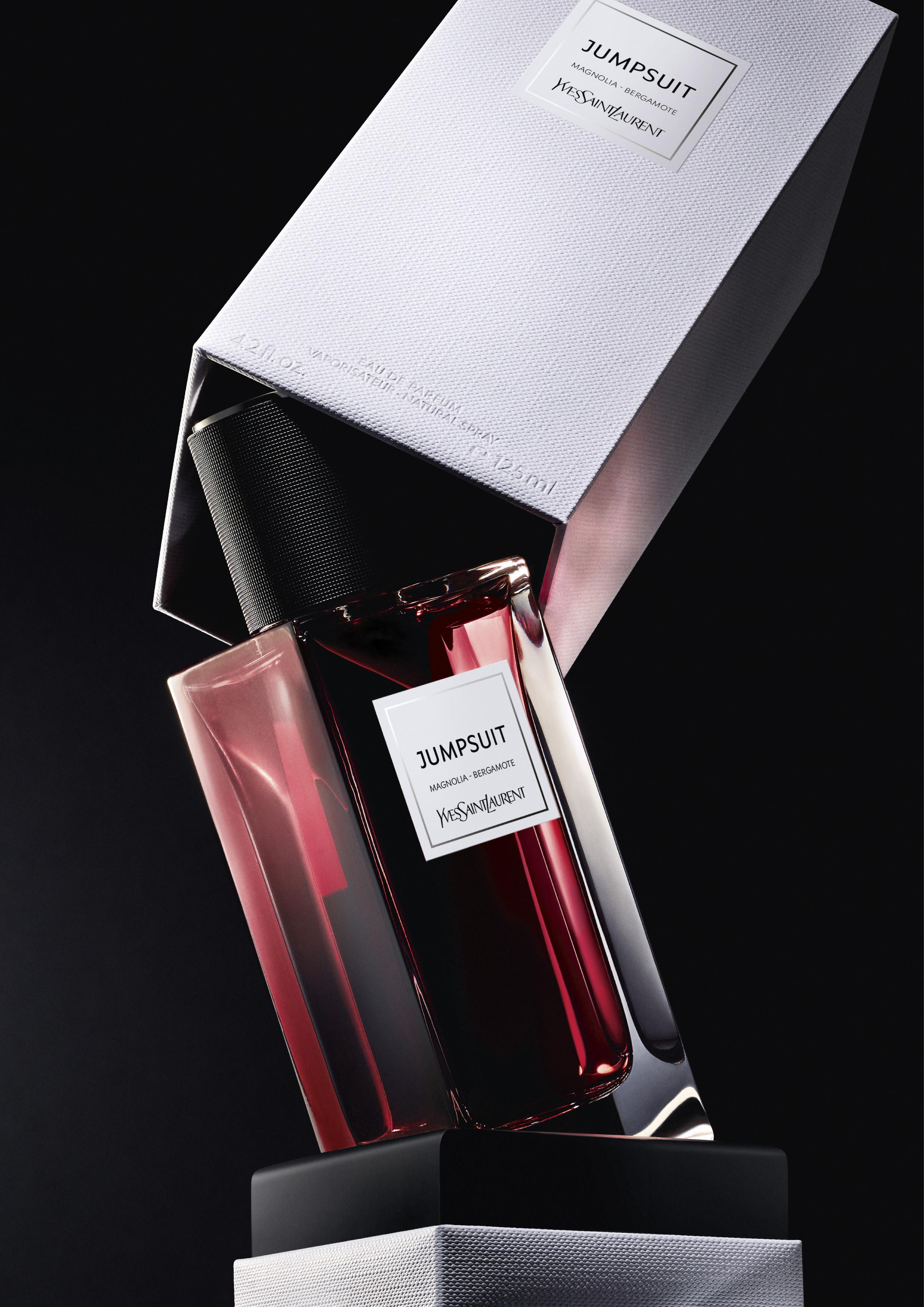 contemporain lvp jumpsuit vertical ysl - Yves Saint Laurent presenta  dos nuevas fragancias :  CAPELINE y JUMPSUIT