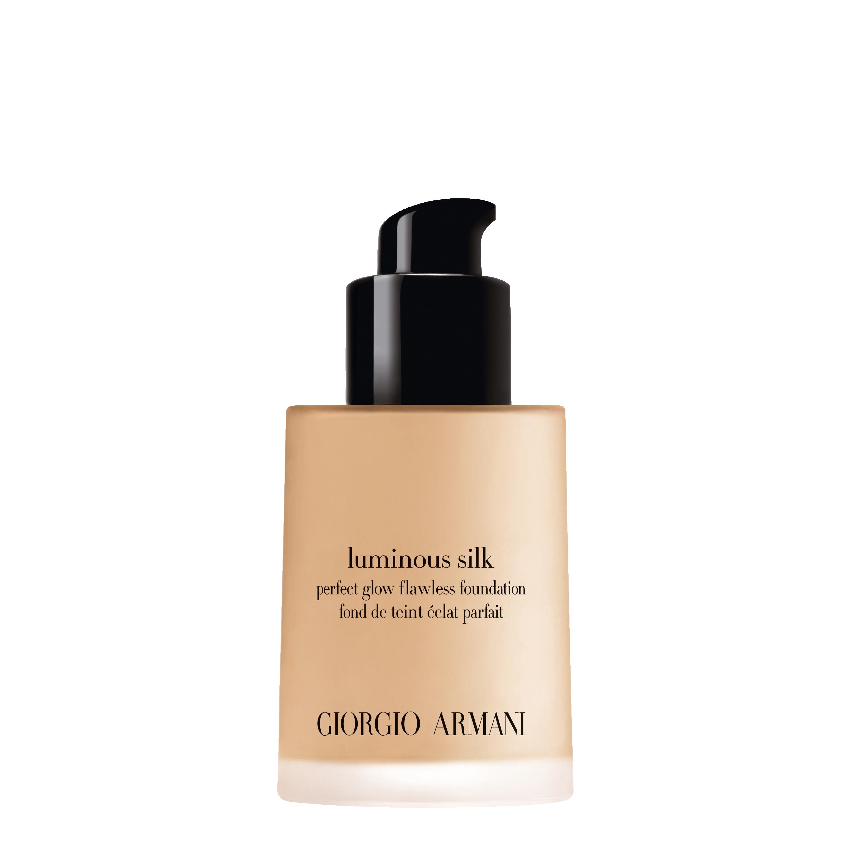ga luminous silk foundation 1.5 applicator lb42790 3614272941618 rvb 3000 - Giorgio Armani plasma su encarnación perfecta del concepto de belleza